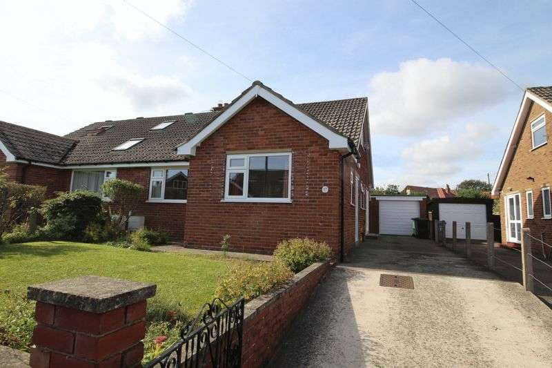 2 Bedrooms Semi Detached Bungalow for sale in Burniston Gardens, Burniston YO13 OHW
