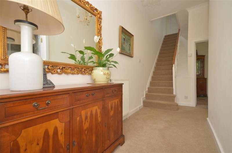 3 Bedrooms End Of Terrace House for sale in Pixham Lane, Dorking, Surrey