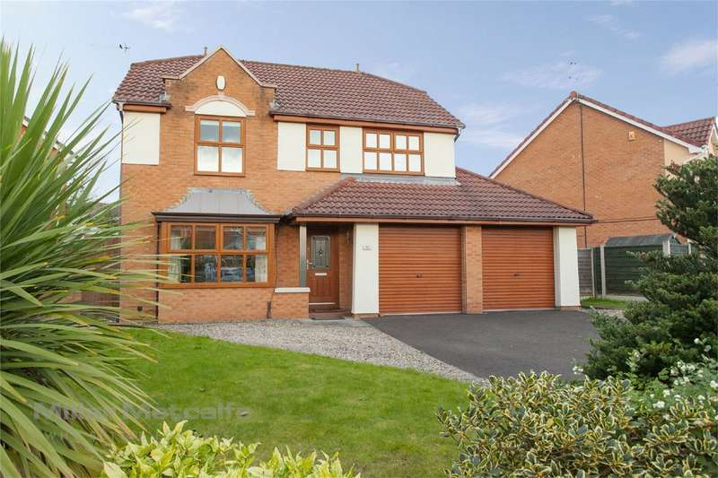 4 Bedrooms Detached House for sale in Greylag Crescent, Ellenbrook, Worsley, Manchester