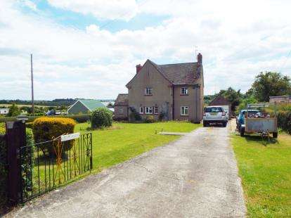 3 Bedrooms Detached House for sale in Somerton, Somerset