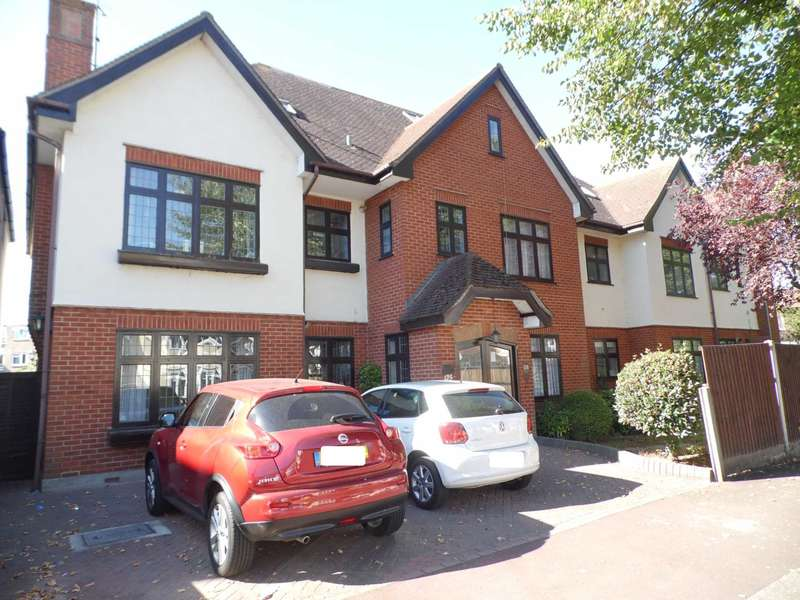 2 Bedrooms Flat for sale in Hadleigh Road, Leigh On Sea