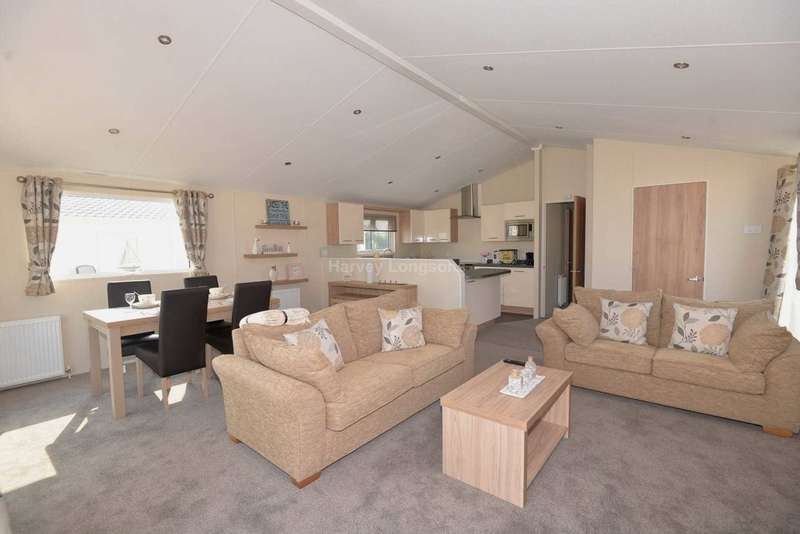 2 Bedrooms Lodge Character Property for sale in Swalecliffe, Kent