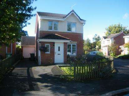 3 Bedrooms Detached House for sale in Pinewood Road, Winsford, Cheshire, England, CW7