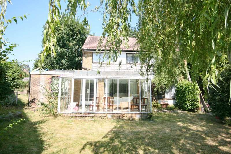 3 Bedrooms Detached House for sale in Boxmoor