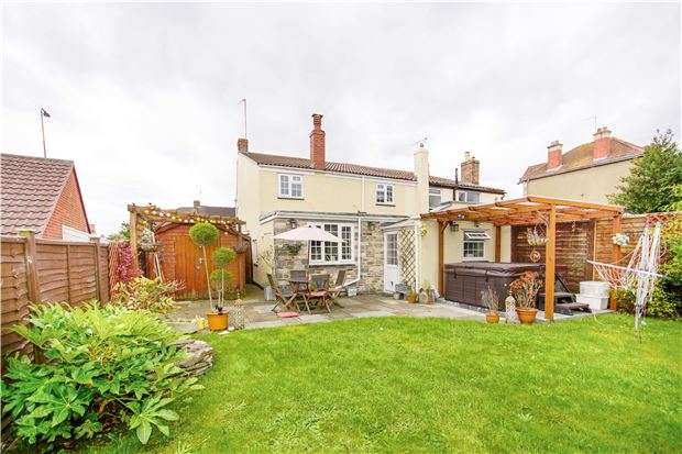 3 Bedrooms Semi Detached House for sale in Hill Street, Kingswood, BS15 4EZ