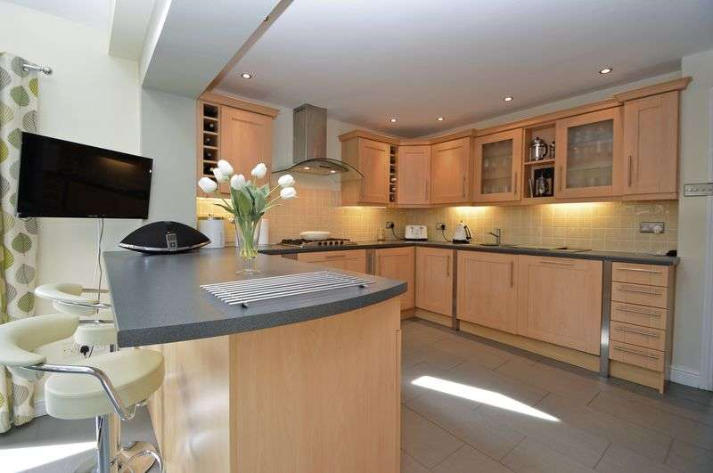 4 Bedrooms Detached House for sale in Lodway Gardens, Pill