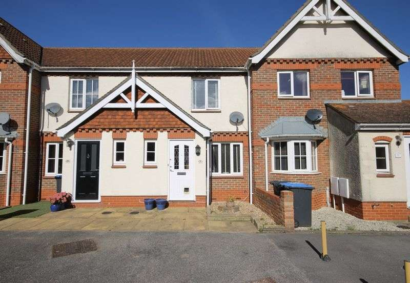 2 Bedrooms Terraced House for sale in Clifton Road, Burgess Hill, West Sussex