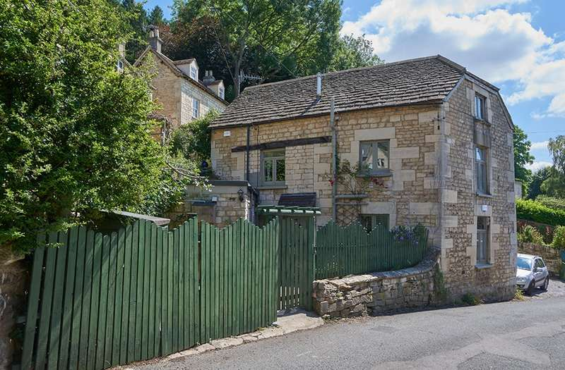 4 Bedrooms Detached House for sale in Watledge, Stroud, Gloucestershire, GL6