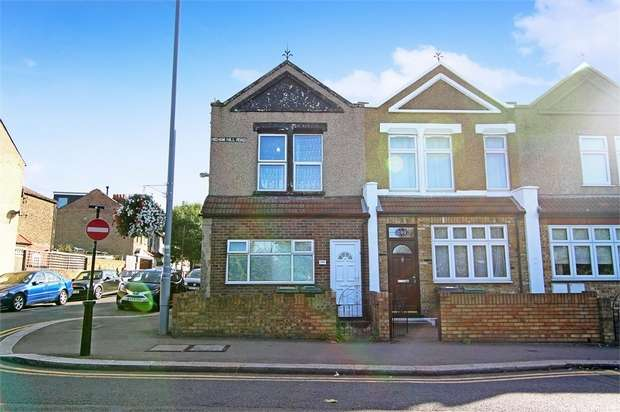 1 Bedroom Flat for sale in Higham Hill Road, Walthamstow, London