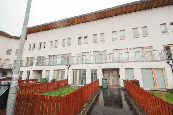3 Bedrooms Terraced House for sale in 31 lochburn gardens, Glasgow