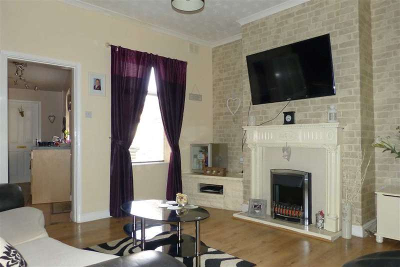 2 Bedrooms Terraced House for sale in Low Cross Street, Crowle, Scunthorpe