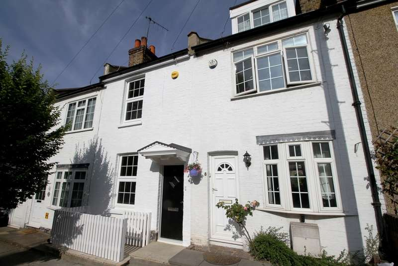 3 Bedrooms Terraced House for sale in Lewes Road, Bromley