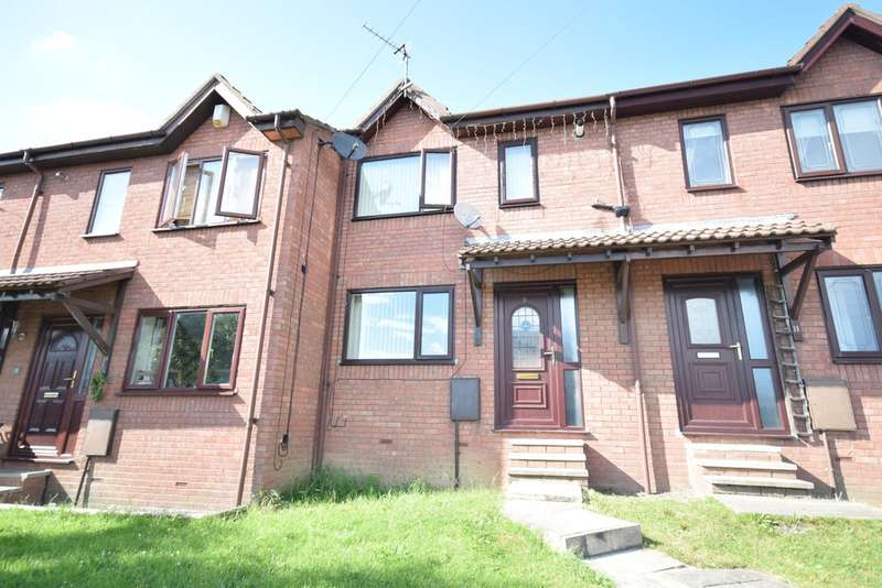 3 Bedrooms Terraced House for sale in Highfield Rise, Wakefield