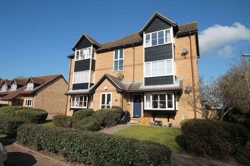 1 Bedroom Flat for sale in Monks Crescent, Addlestone