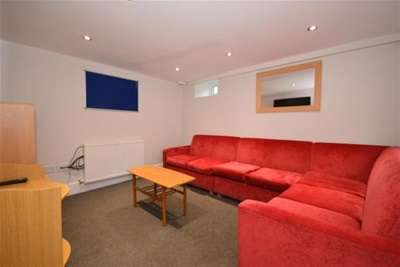 6 Bedrooms House for rent in Howard Road, Walkley, S6 3RX
