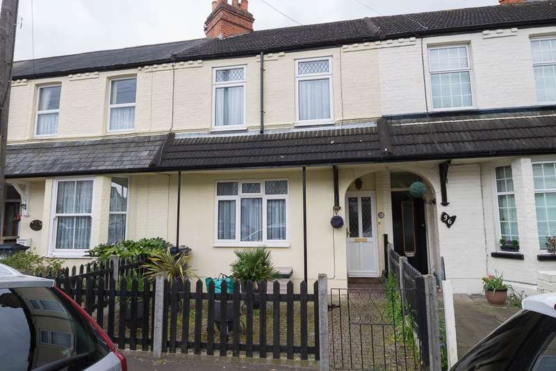 3 Bedrooms Terraced House for sale in Cromwell Road, Feltham, TW13