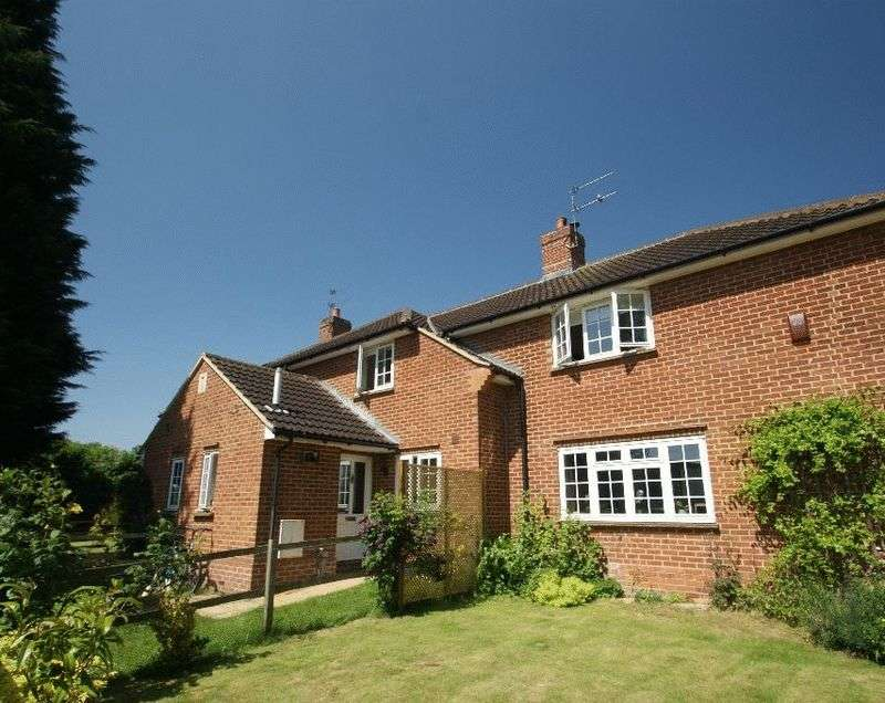 2 Bedrooms Terraced House for sale in Bloswood Lane, Whitchurch