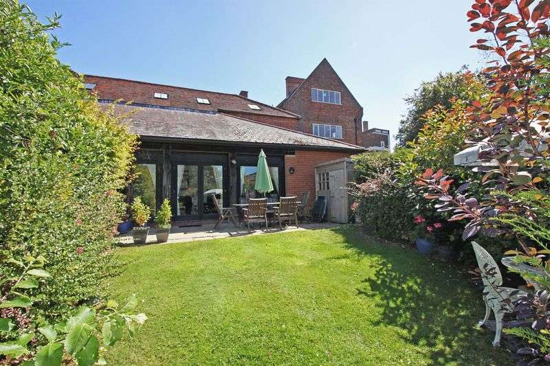 3 Bedrooms House for sale in Hill Hall, Theydon Mount