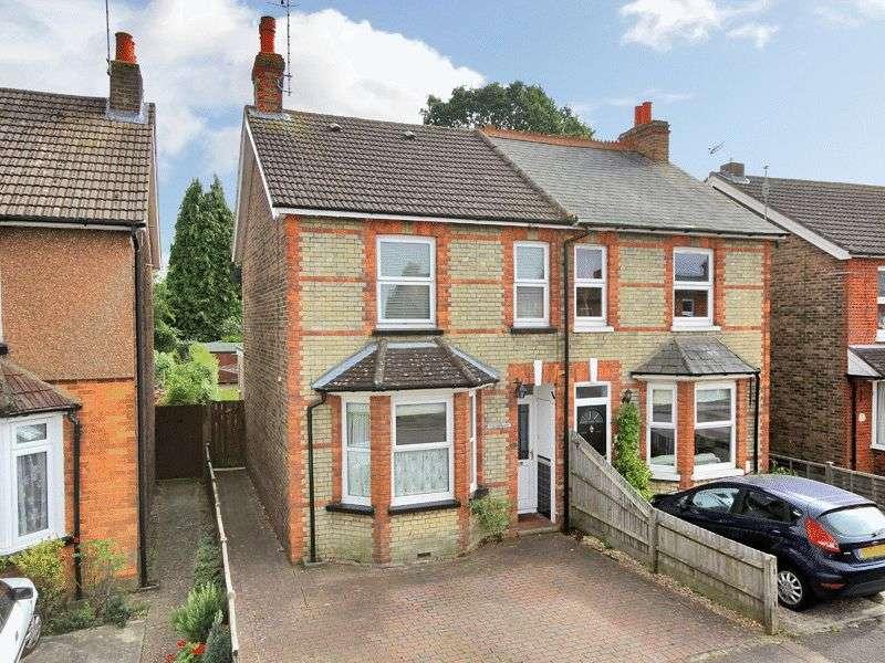3 Bedrooms Semi Detached House for sale in Queens Road, Horley