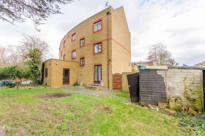 5 Bedrooms House for sale in Yarrow Crescent, Beckton, E6