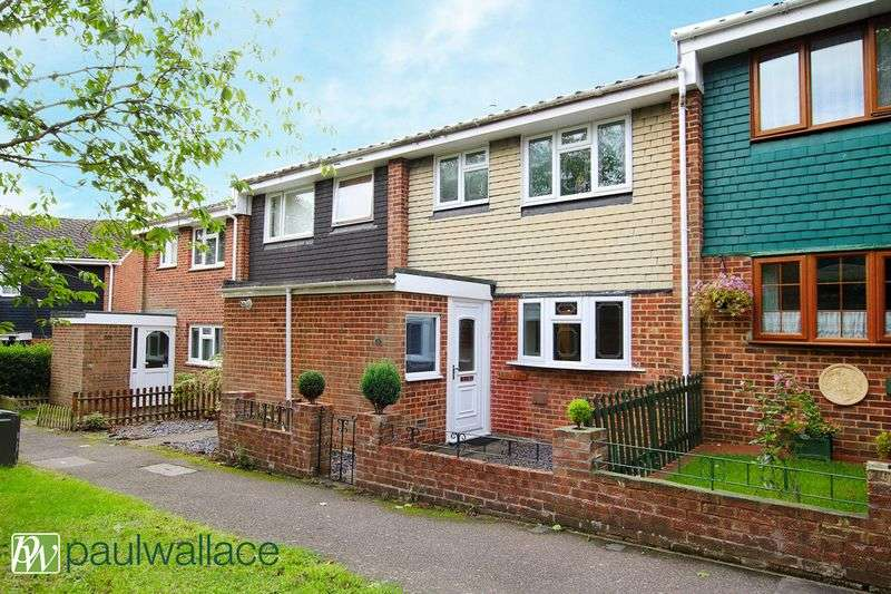 3 Bedrooms Terraced House for sale in Dickson, West Cheshunt