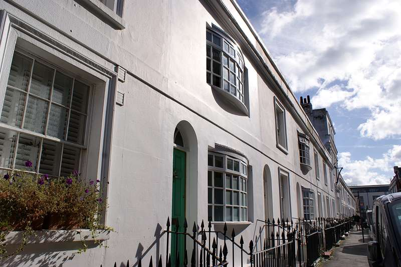 2 Bedrooms Flat for sale in Robert Street, Brighton