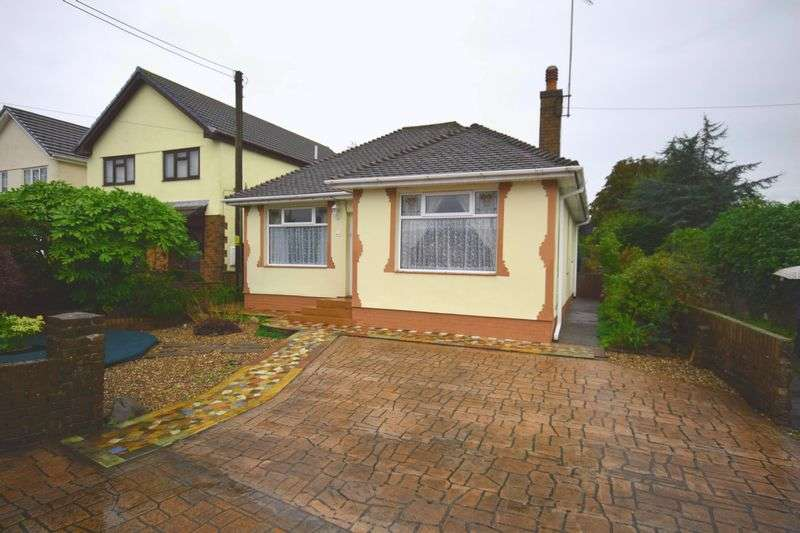 4 Bedrooms Detached Bungalow for sale in 61 Coychurch Road, Pencoed, Bridgend, CF35 5LY