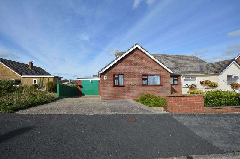 3 Bedrooms Semi Detached Bungalow for sale in Bushfield Road, Crewkerne
