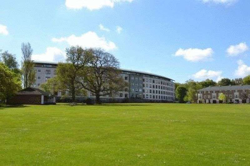 2 Bedrooms Flat for sale in Britannic Park, Yew Tree Road, Moseley