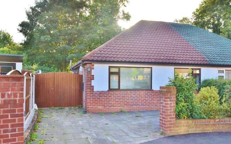 2 Bedrooms Semi Detached Bungalow for sale in Mayhill Drive, Salford