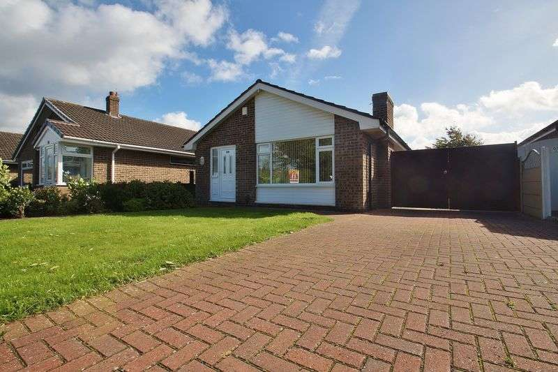 3 Bedrooms Detached Bungalow for sale in Althorpe Drive, Southport