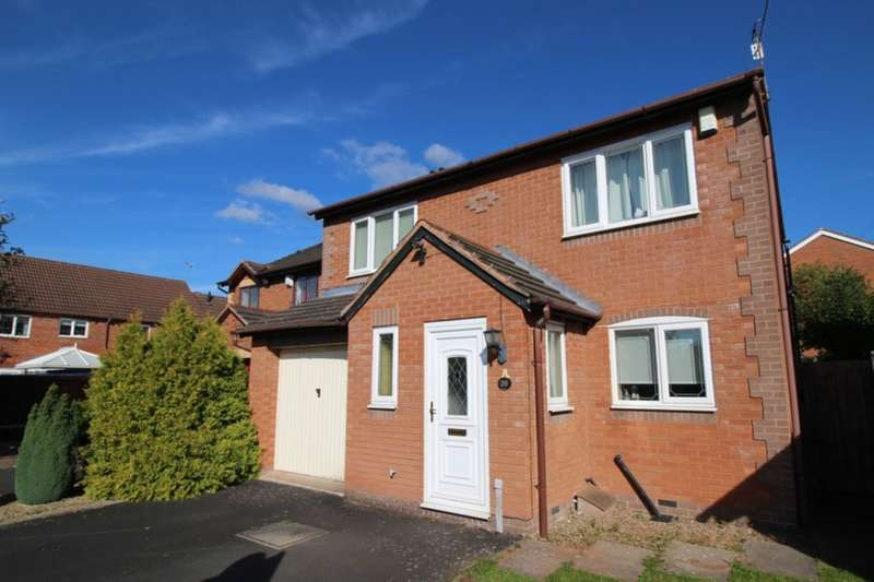 4 Bedrooms Detached House for sale in Farne Avenue, Worcester, WR5