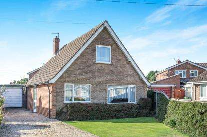 3 Bedrooms Bungalow for sale in Dereham
