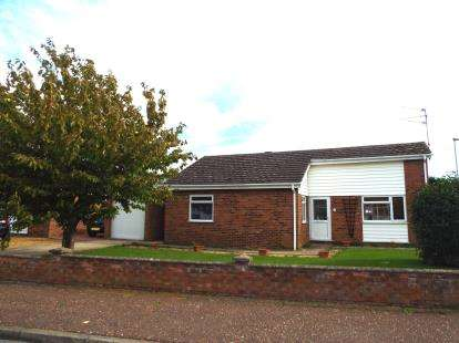 3 Bedrooms Bungalow for sale in King's Lynn, Norfolk