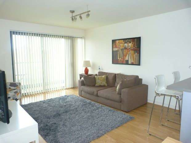 2 Bedrooms Flat for sale in Equinox Building, 1 Douglas Path, Docklands