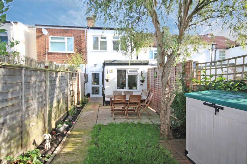 2 Bedrooms End Of Terrace House for sale in Alexandra Road, Addlestone, Surrey, KT15