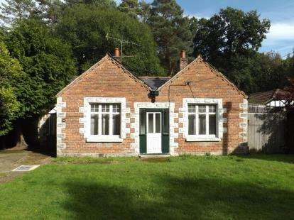 2 Bedrooms Detached House for sale in Ashurst, Southampton, Hampshire