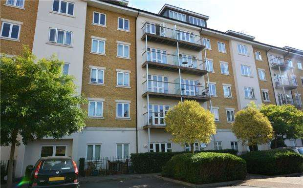 2 Bedrooms Apartment Flat for sale in Kensington House, 34 Park Lodge Avenue, West Drayton