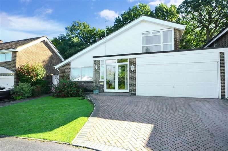 4 Bedrooms Detached House for sale in Hurstville Drive, Waterlooville, Hampshire