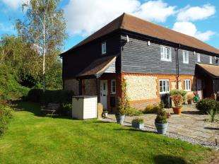 3 Bedrooms End Of Terrace House for sale in Glovers Close, Biggin Hill, Westerham
