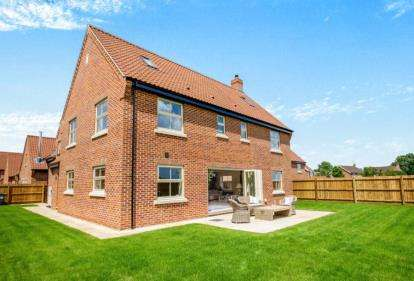 5 Bedrooms Detached House for sale in Off Old Farm Road, Beccles, Suffolk