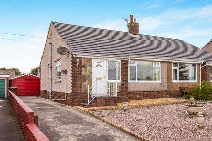 2 Bedrooms Bungalow for sale in Whalley Old Road, Blackburn, Lancashire, BB1
