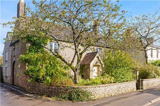 5 Bedrooms Detached House for sale in Birdlip Farm House, Birdlip, Gloucestershire, GL4 8JH