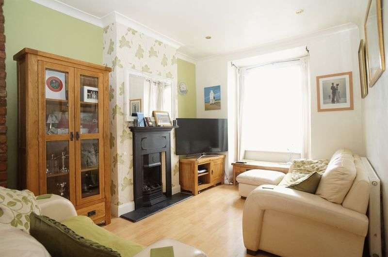 3 Bedrooms Terraced House for sale in Birkbeck Road, Sidcup, DA14 4DJ