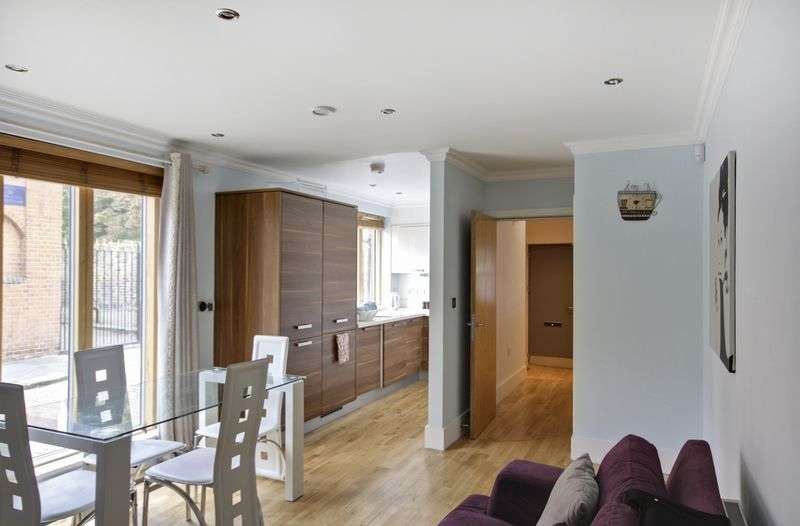 2 Bedrooms House for sale in Bardsley Lane, Greenwich, SE10