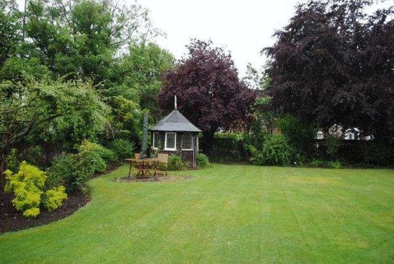 4 Bedrooms Detached House for sale in Welholme Avenue, Grimsby
