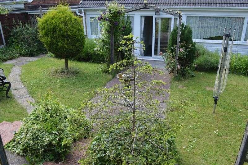 3 Bedrooms Detached Bungalow for sale in Ashtree Avenue, Nettleham