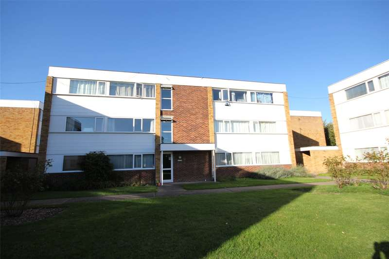 2 Bedrooms Apartment Flat for sale in Hazelbank Court, Chertsey, Surrey, KT16