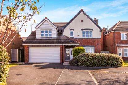 4 Bedrooms Detached House for sale in Cavell Close, Blackburn, Lancashire, BB1