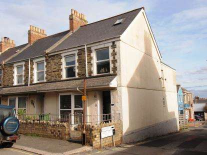 3 Bedrooms Maisonette Flat for sale in Newquay, Cornwall